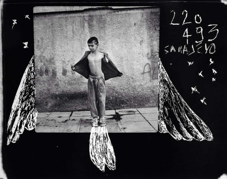Le Showroom, Louis Jammes, oeuvres historiques, Série les anges de Sarajevo Sarajevo, Bosnie, 1993 Grattage sur Polaroïd, 11 x 11 cm, exemplaire unique