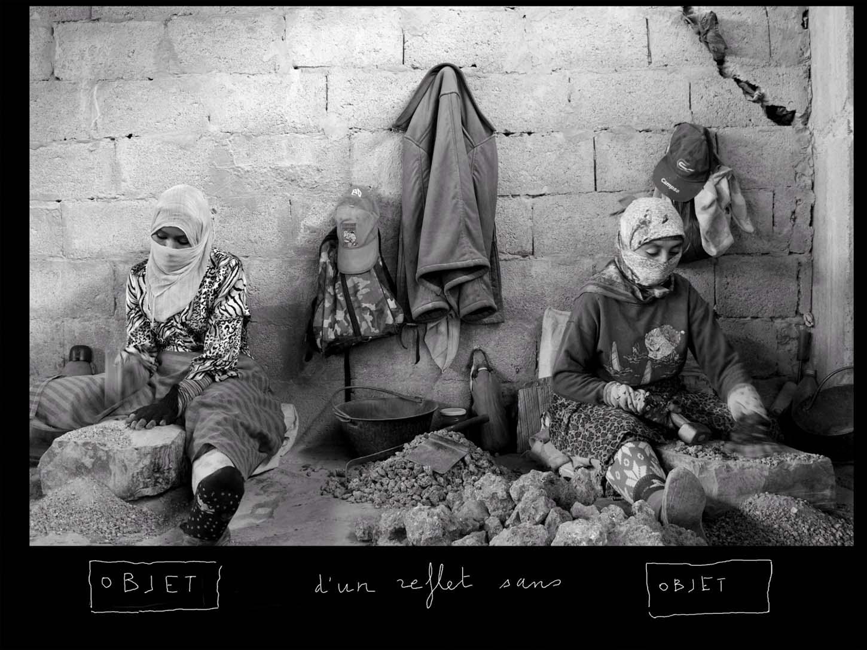 Le Showroom, Louis Jammes, œuvres historiques, Objet d'un reflet sans objet, 2011 Béni Tajjite, Maroc photo rehaussée d'un dessin sur tablette numérique 20 x 26,5 cm, exemplaire unique