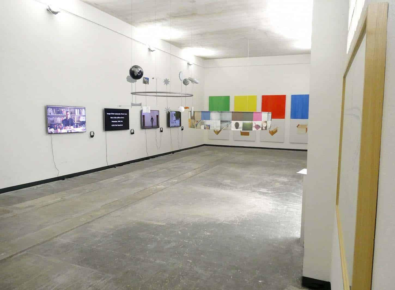 Vue de l'exposition : Eric Duyckaerts, Funambule élémentaire