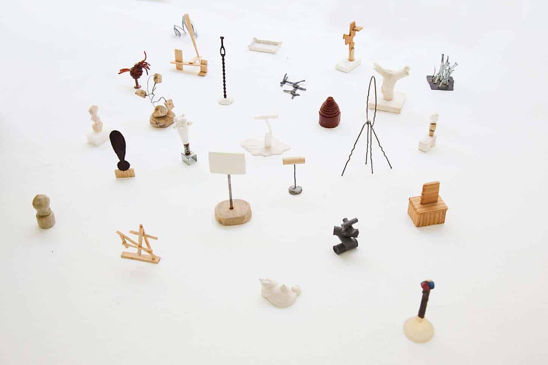 La galerie: La IIIe narine Hugues Reip 0,25, 1990-91 Mat.riaux divers, Dimensions variables. collection priv.e de l'artiste
