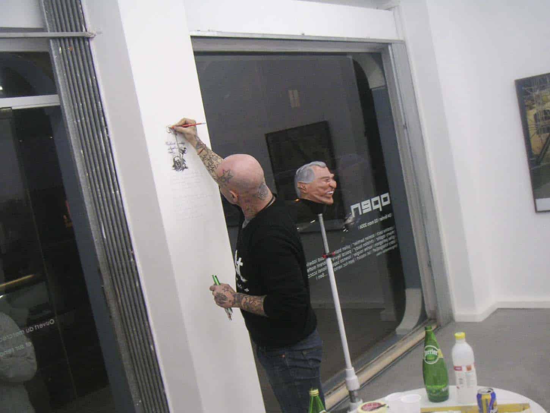 Open, février 2006, première exposition du deuxième lieu d'Espace A VENDRE à Nice,rue Smolett. Jean-Luc Verna
