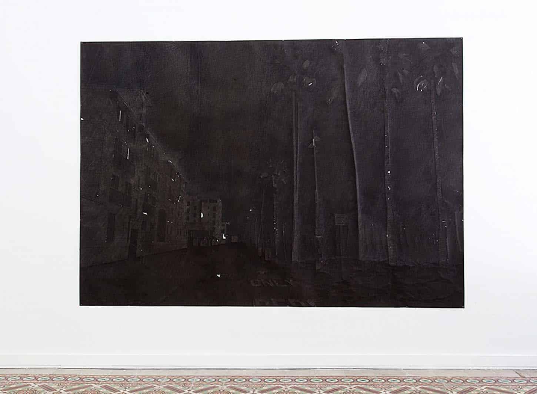 Espace A VENDRE.Vue de l'exposition: Du sable dans ma santiag, par Maxime Duveau.  Black West Hollywood House, 2016 Fusain sur papier, 56 x 76 cm