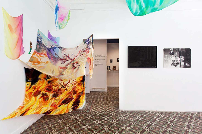 Espace A VENDRE.Vue de l'exposition: Du sable dans ma santiag, par Maxime Duveau et Jérémie Paul.