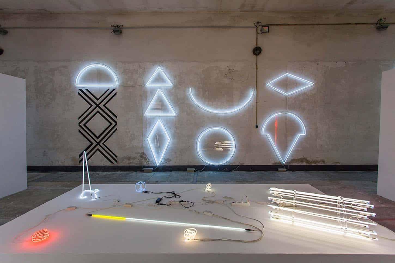 Espace A VENDRE.Vue de l'exposition: Géométrie spirituelle, par Kleber Matheus.