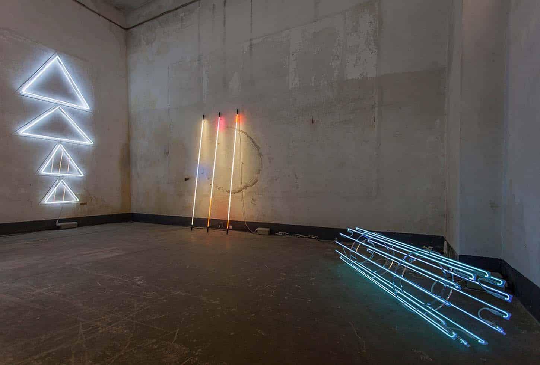 Espace A VENDRE.  Vue de l'exposition: Géométrie spirituelle, par Kleber Matheus.