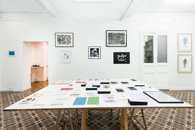 Espace A VENDRE.Vue de l'exposition: Editions, réalisée par un collectif d'artistes.