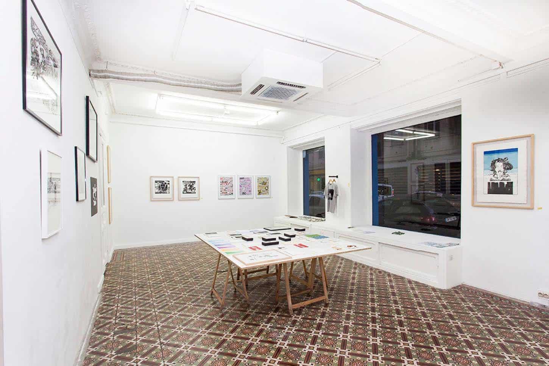 Espace A VENDRE.Vue de l'exposition: Éditions, réalisée par un collectif d'artistes.