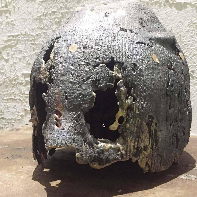 Charles Sanchez, NID DE POULE, 2013 , Marteau-piqueur, amortisseur, mousse, sangles , 35 x 100 x 35 cm